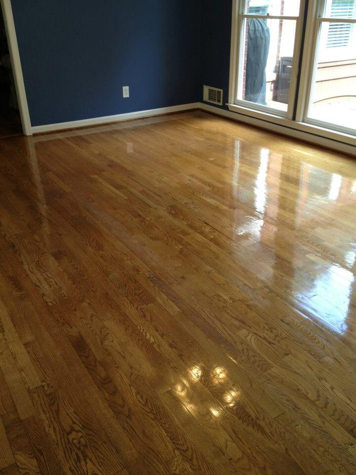resurface wood floors in Chicago, IL