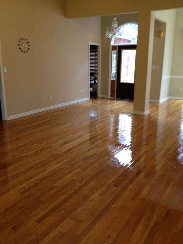a resurfaced hardwood floor surface showing no sign of damage