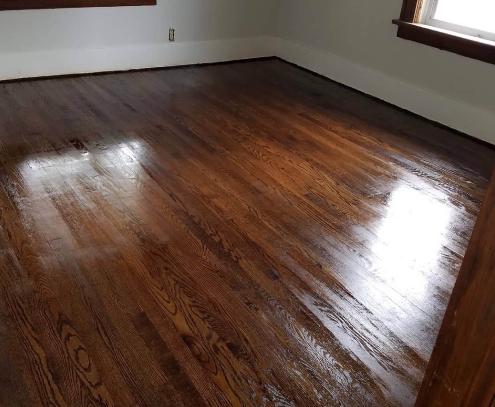 a fabulous floors chicago completed hardwood floor refinishing project.